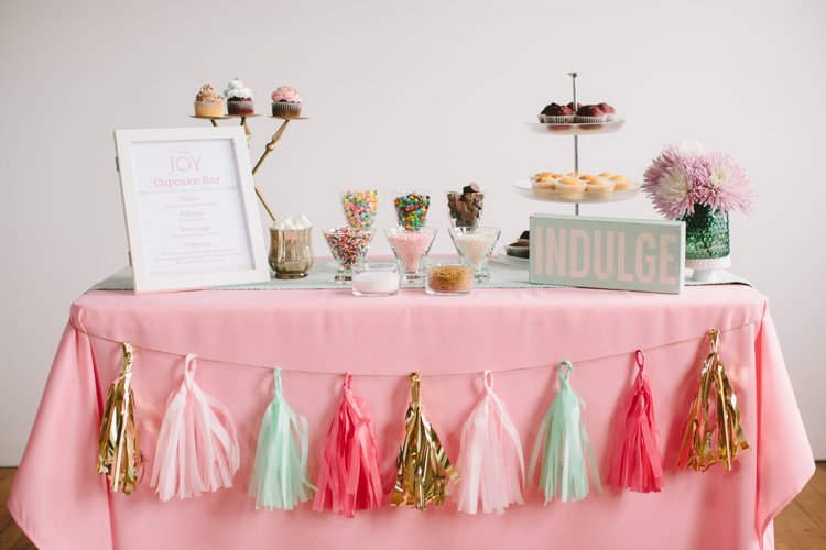 I met Courtney from  A Dash of Joy  almost a year ago. She came up with a very unique custom dessert bar concept that has taken over Chicagoland! Check her out!