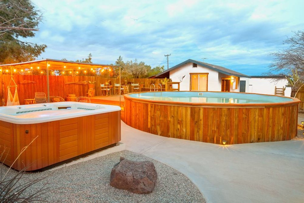Pool & Hot Tube.jpg
