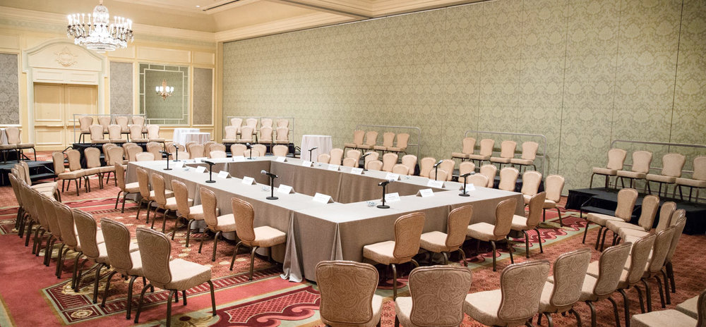 Round-Table Meeting Room,    photo credit: (c) CAPEHART