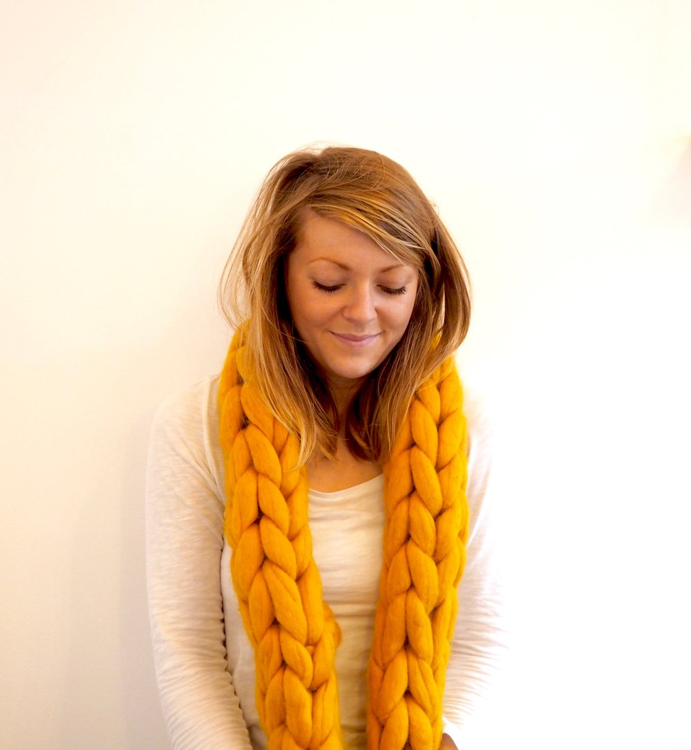 Amber - Chunky Wool Knit Scarf