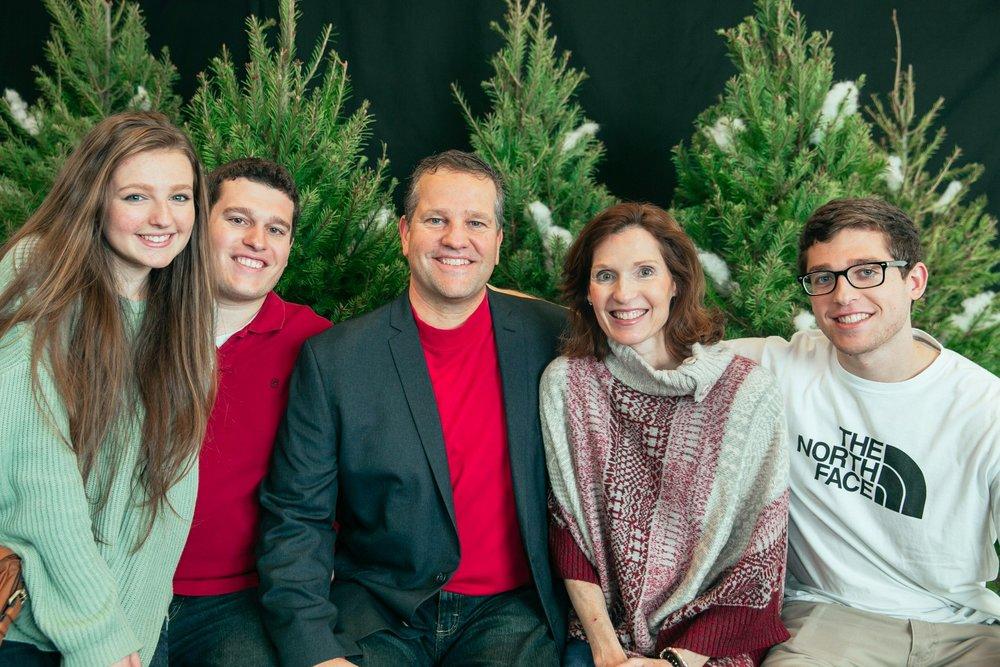 4_ChristmasForGwinnett_Sat_.jpg
