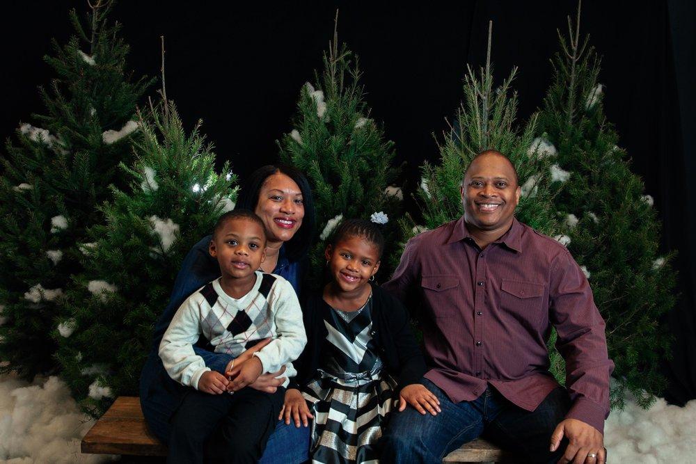 148_ChristmasForGwinnett_Sat_.jpg