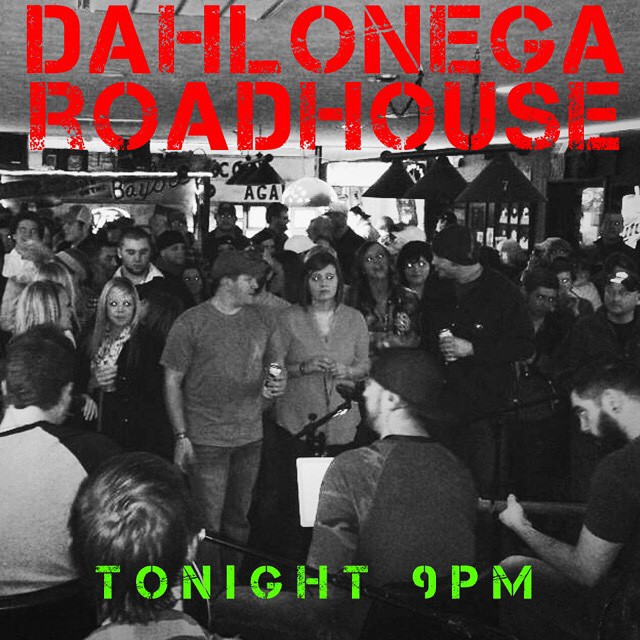 D-Town tonight at Dahlonega Roadhouse! Come join us around 9pm for some acoustic tunes! See ya there! #cmb #coalmountainband #countrymusic #songwriters #georgia