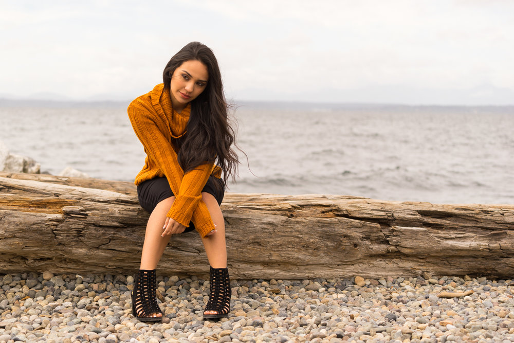 high school senior at beach-SF Bay Area lifestyle photographer