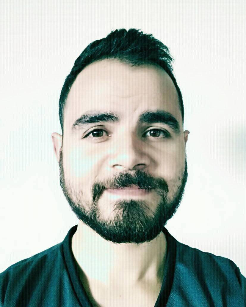 Andrés Abarca - Ingeniero Civil, actualmente vivo en Milán Italia trabajando como investigador y estudiante de doctorado. Otros intereses incluyen: música, cocina, diseño, artesanías en cuero, fotografía, stand-up comedy, nutrición y ejercicio.