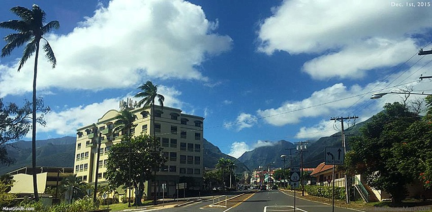 wailuku happy hour
