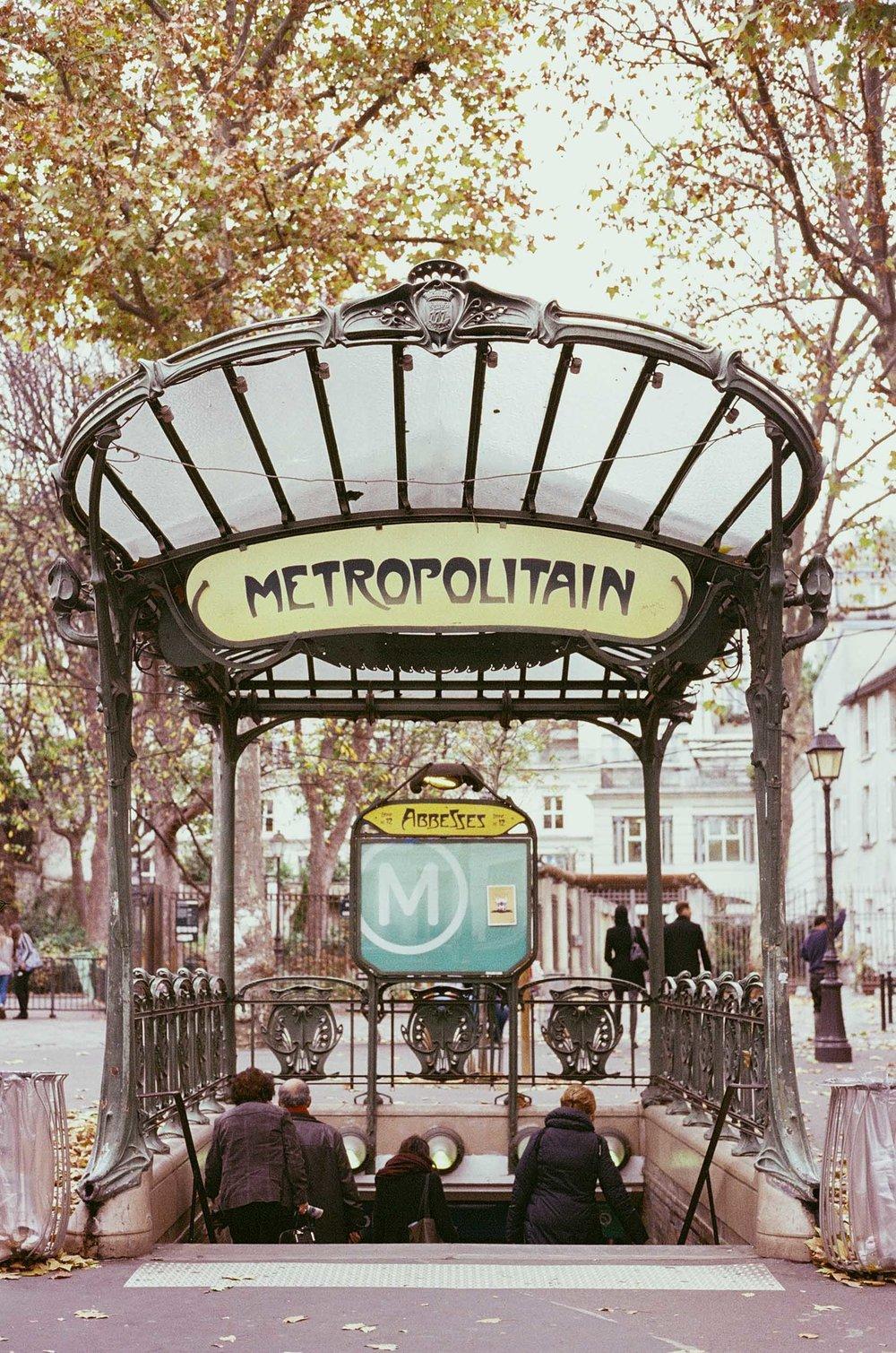 SERIES_Un Automne à Montmartre_© Rachael Wright-3.jpg