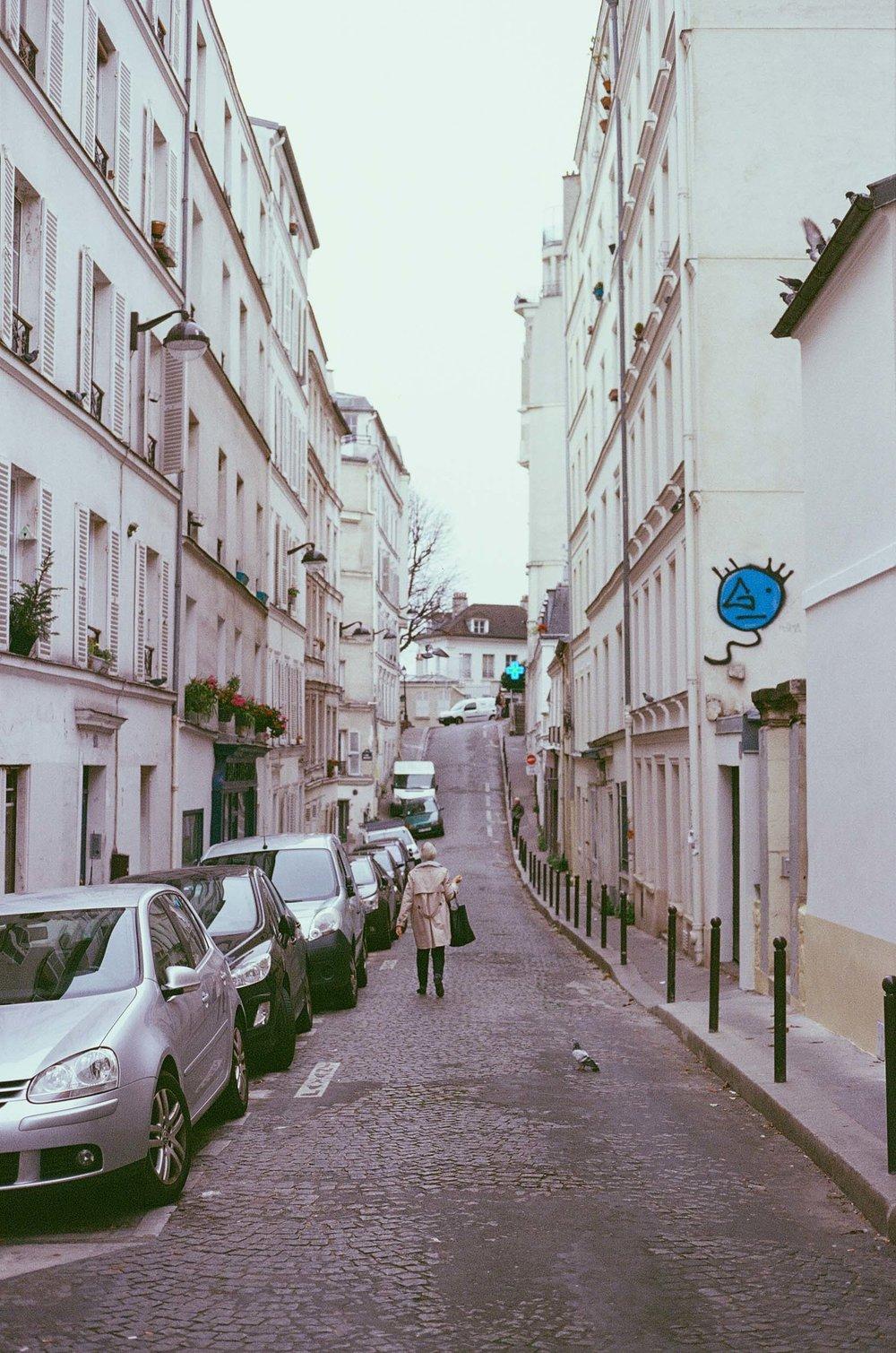 SERIES_Un Automne à Montmartre_© Rachael Wright-5.jpg