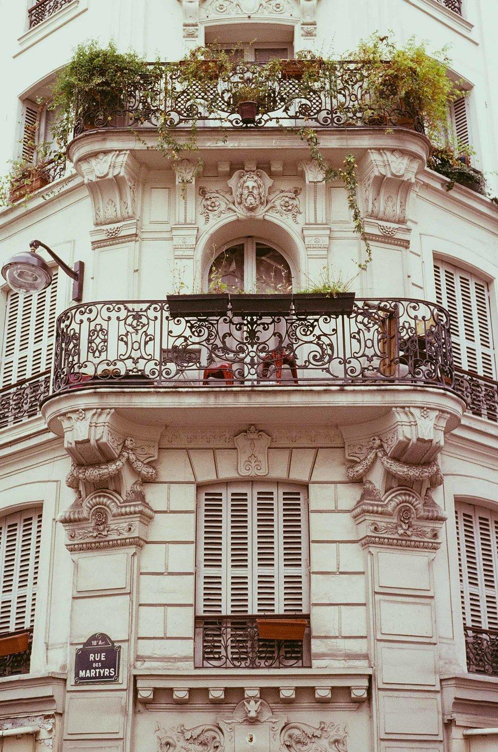 SERIES_Un Automne à Montmartre_© Rachael Wright-7.jpg
