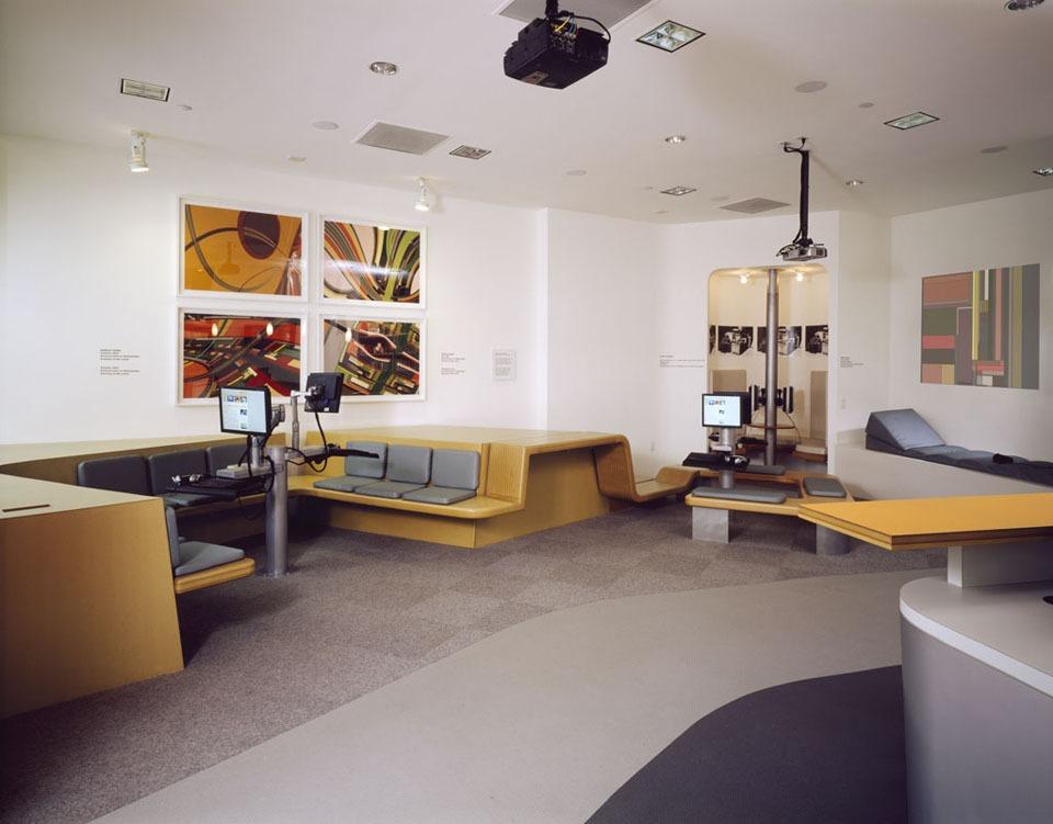 2 orange lounge.jpg