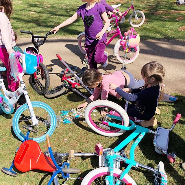 Dear Monday, thank you for the opportunity to start fresh and reflect on some of the fun from the past week. Bike decorating station at the park equals a #parentingwin like no other. Seriously, just a bit of washi tape, streamers, and ribbon goes a long way and makes for an extraordinary twist on a regular activity. Here's to more simple ways to making life extra special. And, if you have not offered a bike decorating station to a bunch of kids at the park before...well, add it to your list because it was a rocking good time. 🙌🎨✨ . . Here's to another week, everyone! 🎉🌈🎨✨