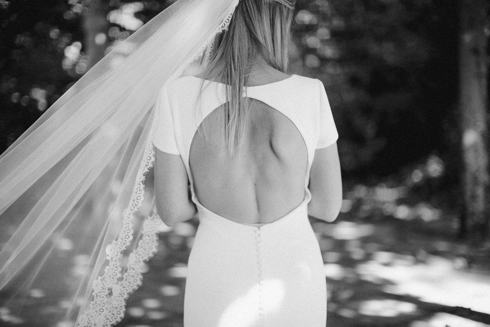 bijvoorbeeld op je bruiloft - op een dag vol liefde, lekker eten, mooie details en veel glimlachen ben ik helemaal in mijn element.meer info