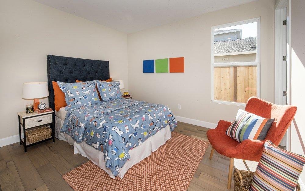 Bedroom_DSC_9402.jpg