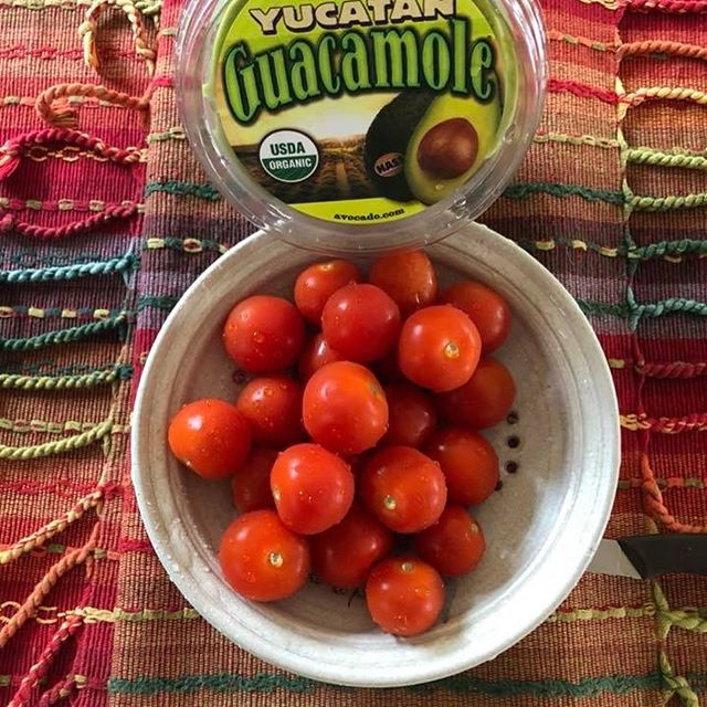 🍅🥑🍅🥑🍅🥑🍅OMG! So  e a s y  and delicious! ORGANIC ingredients on the left; completed appetizer on the right! Rinse cherry tomatoes; cut off just the very top; scoop out the inners & fill with guacamole!!!🍅🥑🍅🥑🍅 #organiccherrytomatoes #guac #summerappetizer #shoplocal #manahawkin #lbi #yummy