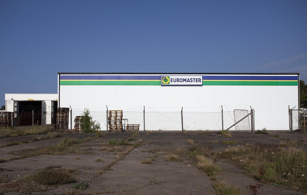 Euromaster Halmstad -  nytt däcklager