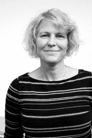 Elisabeth Härtzböle Administration 0708 - 21 17 57 MAIL