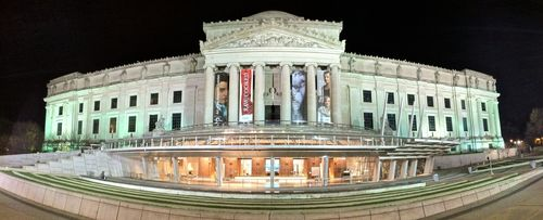 Brooklyn_art_museum_night