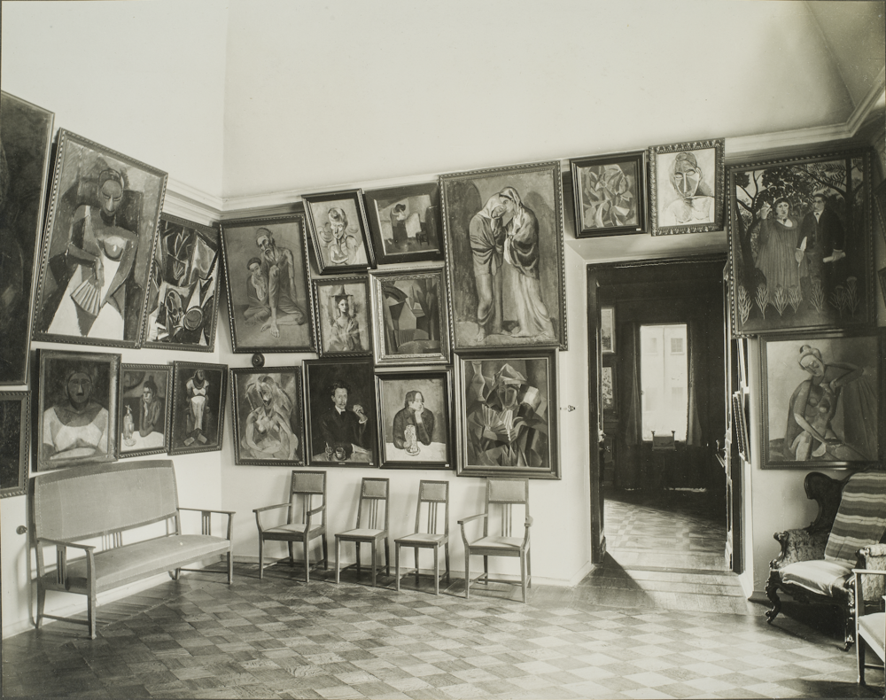 "The ""Salle Gaugin"" of the original Shchukin Collection. Photo: Fondation Louis Vuitton"