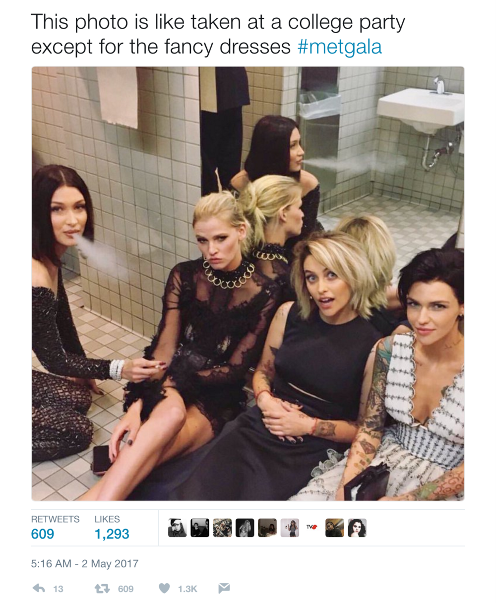 Tweet of an image from the 2017 Met Gala