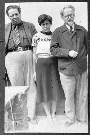 Diego Rivera, Raya Dunayevskaya, and Trotsky,  ca.  1939. Photo: Princeton University.