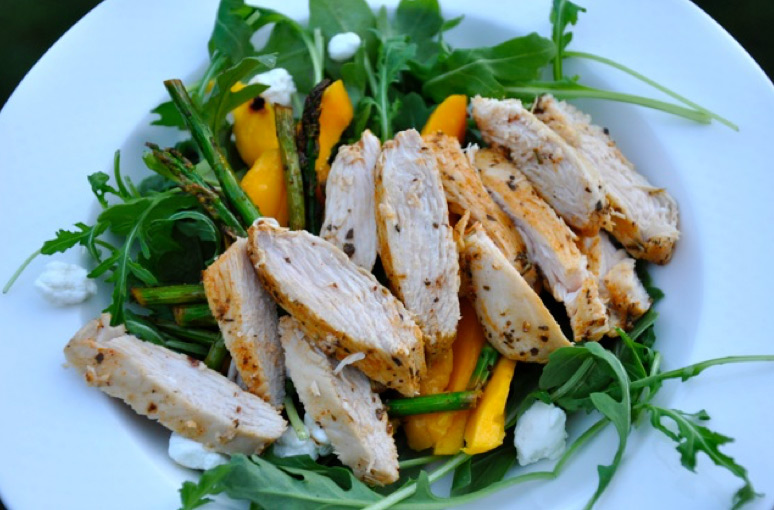 summer salad wth chicken rocket and mango.jpeg