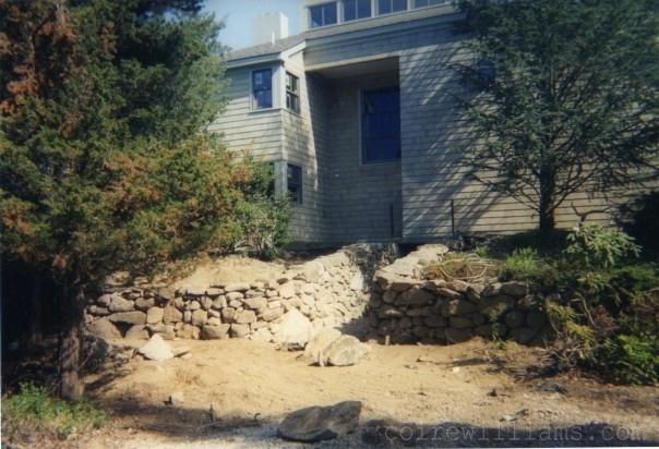 drystone retaining wall_floodgate _2004_www_coirewilliams_com.jpg