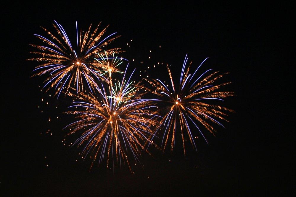 Fireworks4_amk1.jpg