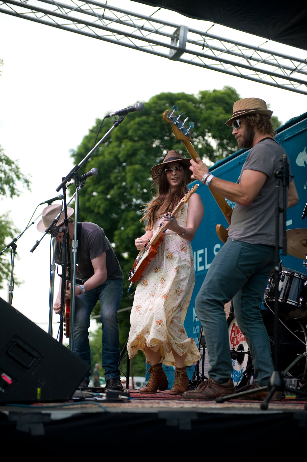 Ohio band,  Angela Perley & The Howlin' Moons , are filling your hearts with sweet music at the  Court Street Grill  in Pomeroy, this coming Saturday. Photo from this year's  Nelsonville Music Fest , by  Michelle Waters.
