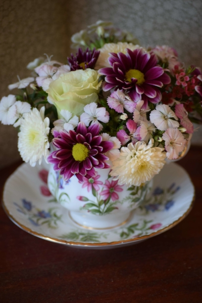 purple-teacup-bouquet