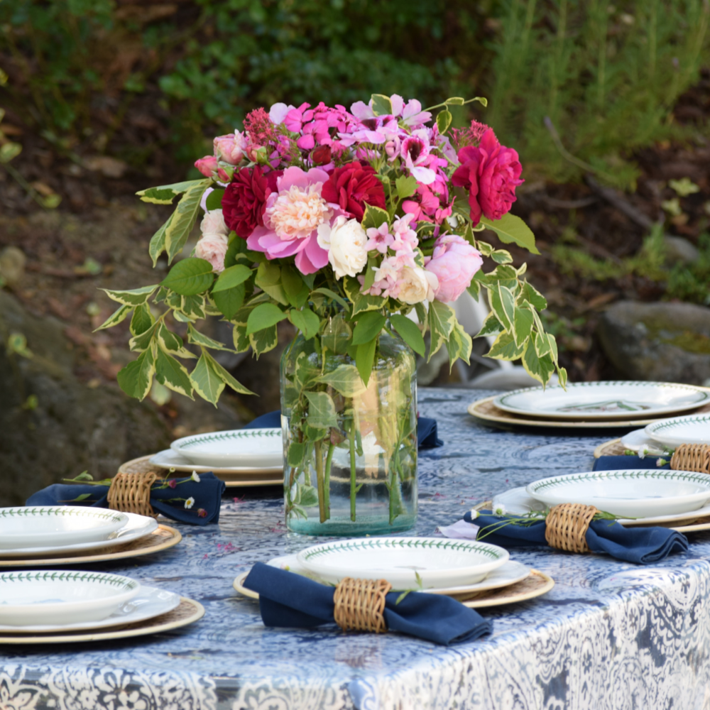 Navy-Pink-White-Tablesetting