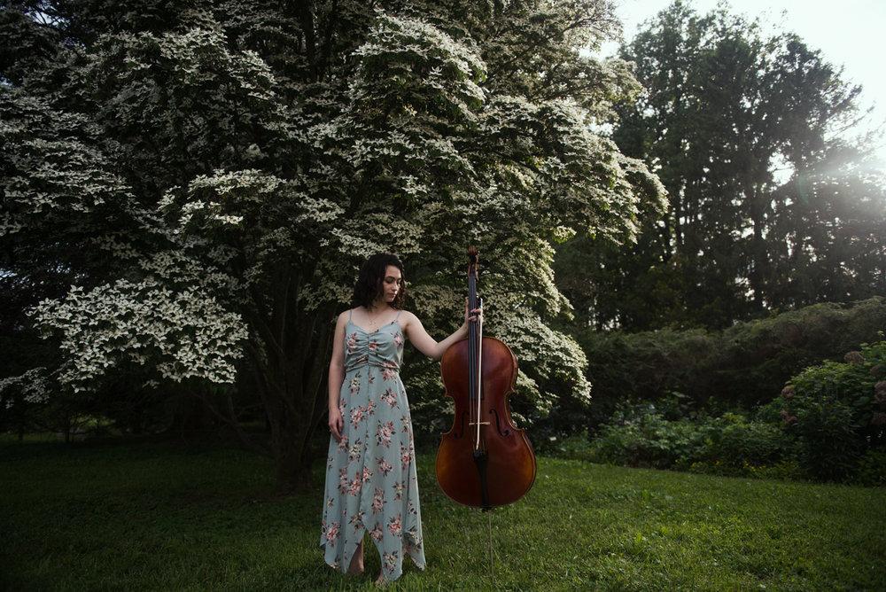 Ella Bllue Senior Portraits LaRue Photography