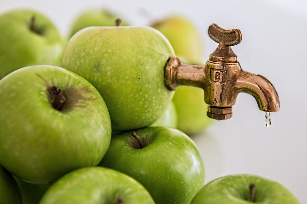 apple-juice-1055331_1920.jpg