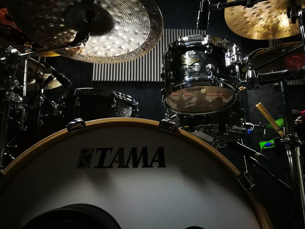 Tama Starclassic Walnut/Birch kit in Charcoal Onyx finish.