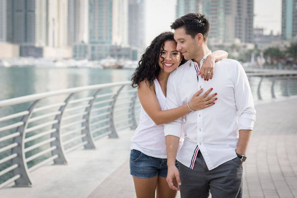 Engaged-couple-relaxed-photography.jpg