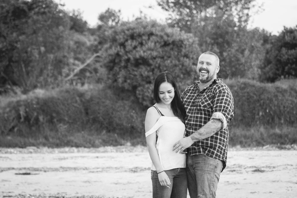 fun-relaxed-engagement-photoshoot.jpg