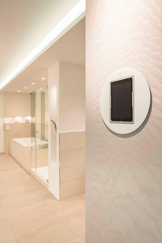 A White Loop in a Bathroom