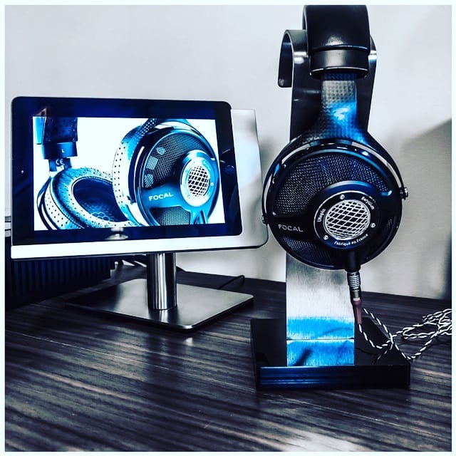 Heading into the weekend with some pure hotness from @audio_visual_solutions_group and @focalofficial HiFi has never been so 🔥🔥🔥 . . NOW AVAILABLE FOR THE NEW IPAD USB-C PRO MODELS . . The Viveroo Free Flex.  The ultimate iPad mount . . Need quick access to your favorite recipe or want to listen to your favorite dinner party tunes?  On the kitchen counter, on any wall, conference room table stand, kiosk stand, floor stand, even in your theater seating.  The Free Flex makes your iPad at home anywhere . Timeless lines, German engineering, architectural grade design, and made from the finest materials . . Easily removable, mobile, always charged, optional locking system, multiple PoE options for residential or commercial environments . Contact us via your local AV integrator or via our website and we'll be happy help you find the best solution for your iPad mounting needs . Endless possibilities . . #viveroousa #viveroo #focal #free #square #technology #ipad #ipadmount #ipaddock #homeautomation #smarthome #residential #architecture #hospitality #hotel #avtweeps #avpros #foodie #hometheater #luxuryhome #gourmet #homedesign #customhome #luxury #kitchen #interiors #foodie #chef #hifi