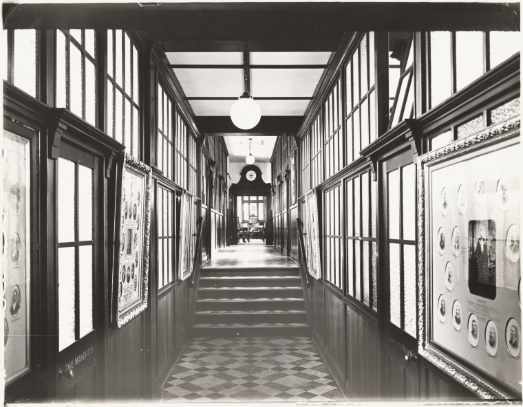 The Robes Gallery of the Perth City Council, 1925