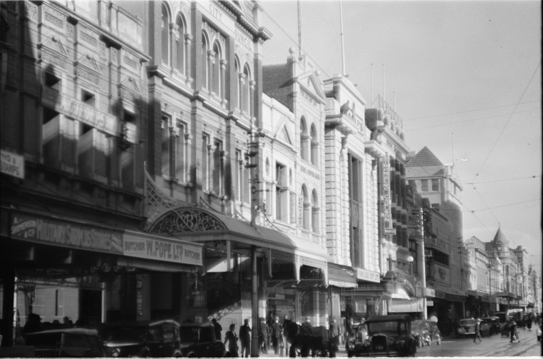 Murray Street, Perth City Council building second from left, 1939