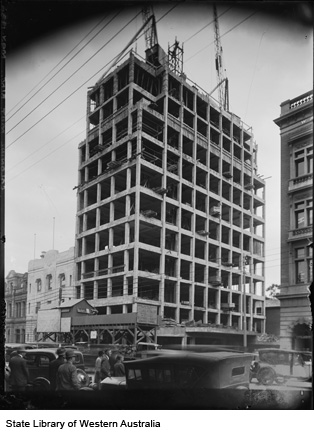 CML Building under construction, 1935-37