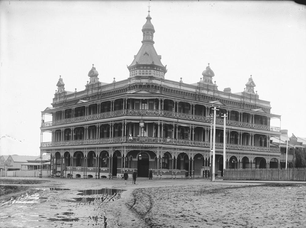 Federal Hotel, 179 Wellington Street, Perth circa 1905