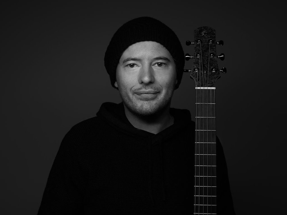Alan Gogoll - Guitarist / Composer