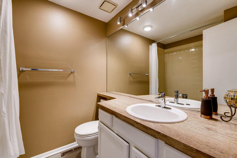 4356 S BlackHawk Way Aurora CO-print-019-10-2nd Floor Bathroom-3600x2400-300dpi.jpg