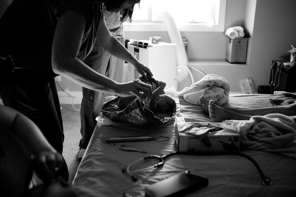 Bethany-Galster-Birth-Photographer_HomeBirth.jpg