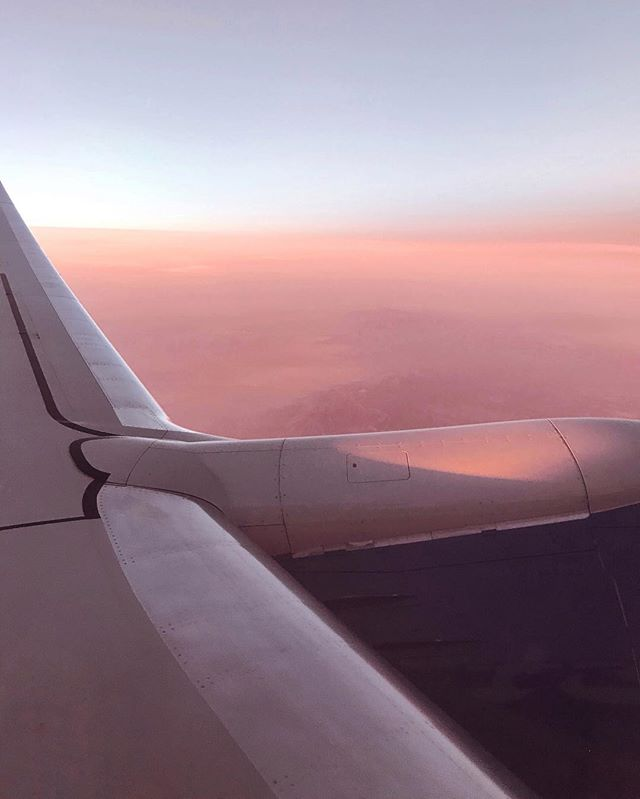 Can't get enough of this #planeview ✈️ 🌅 #sunsetoftheday