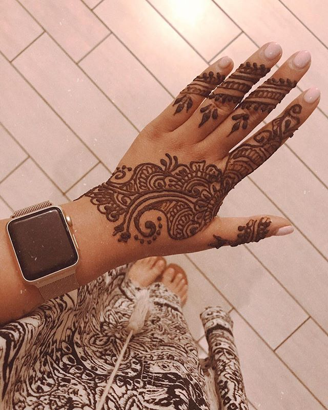 Showing off my Indian side, but also... #shaiandbrent are getting married! #happyformyfriends #mendhi