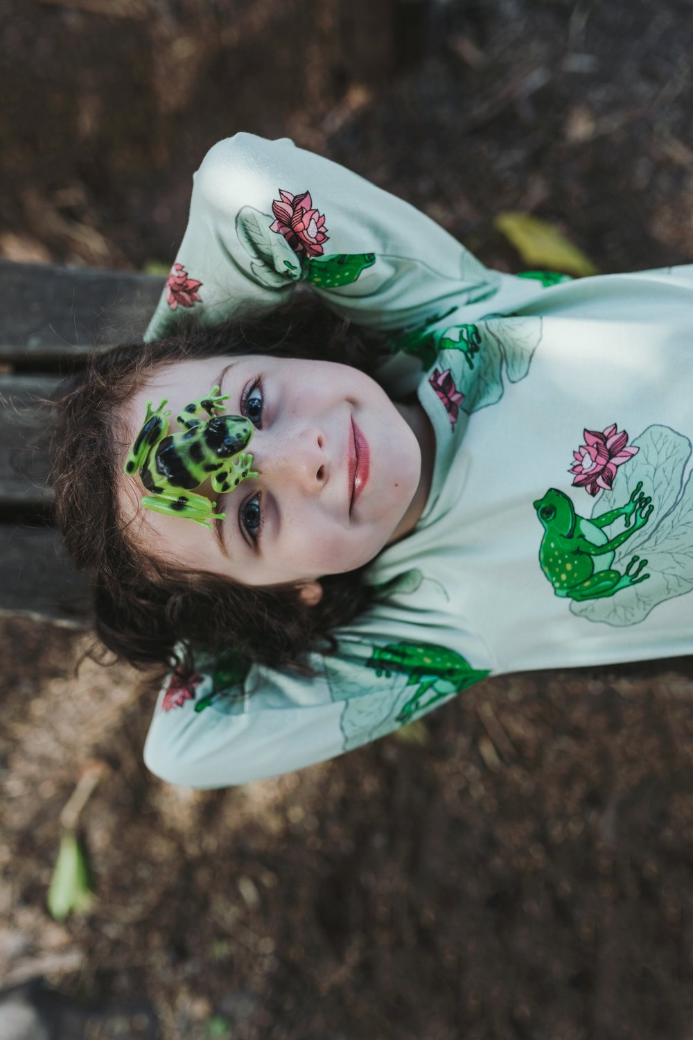 green-frog-face-kids-commercial-photographer-siida-hobart.jpg