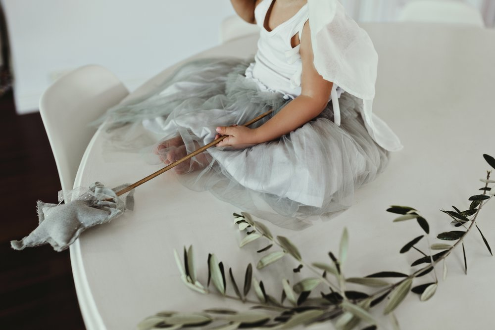 girl-angel-olive-leaf-commercial-photographer-siida-australia.jpg