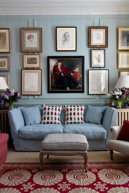 We can't get enough of blue and touches of red in a more classic setting.