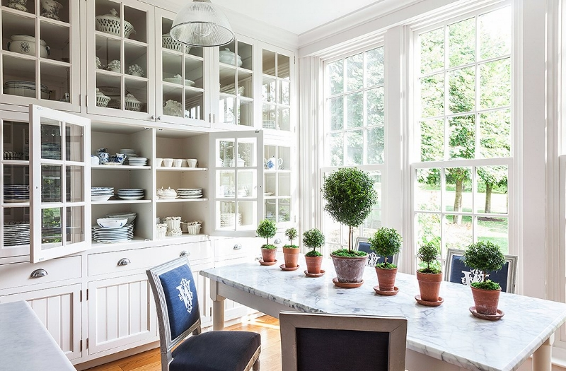 Topiary's are fast becoming our favourite indoor plant, they look amazing just about anywhere but we are especially loving them in the kitchen. Image source: One Kings Lane
